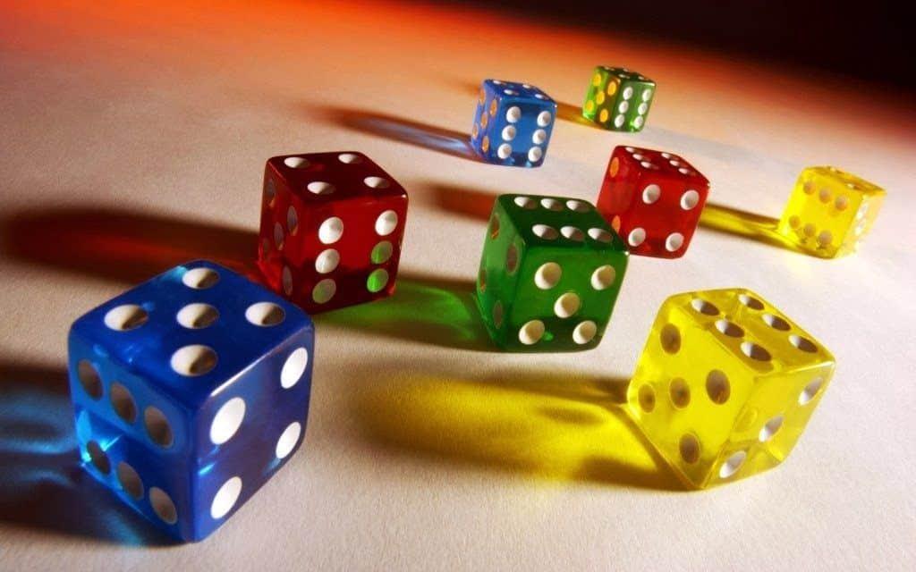Sơ lược tổng quát luật chơi xí ngầu Poker