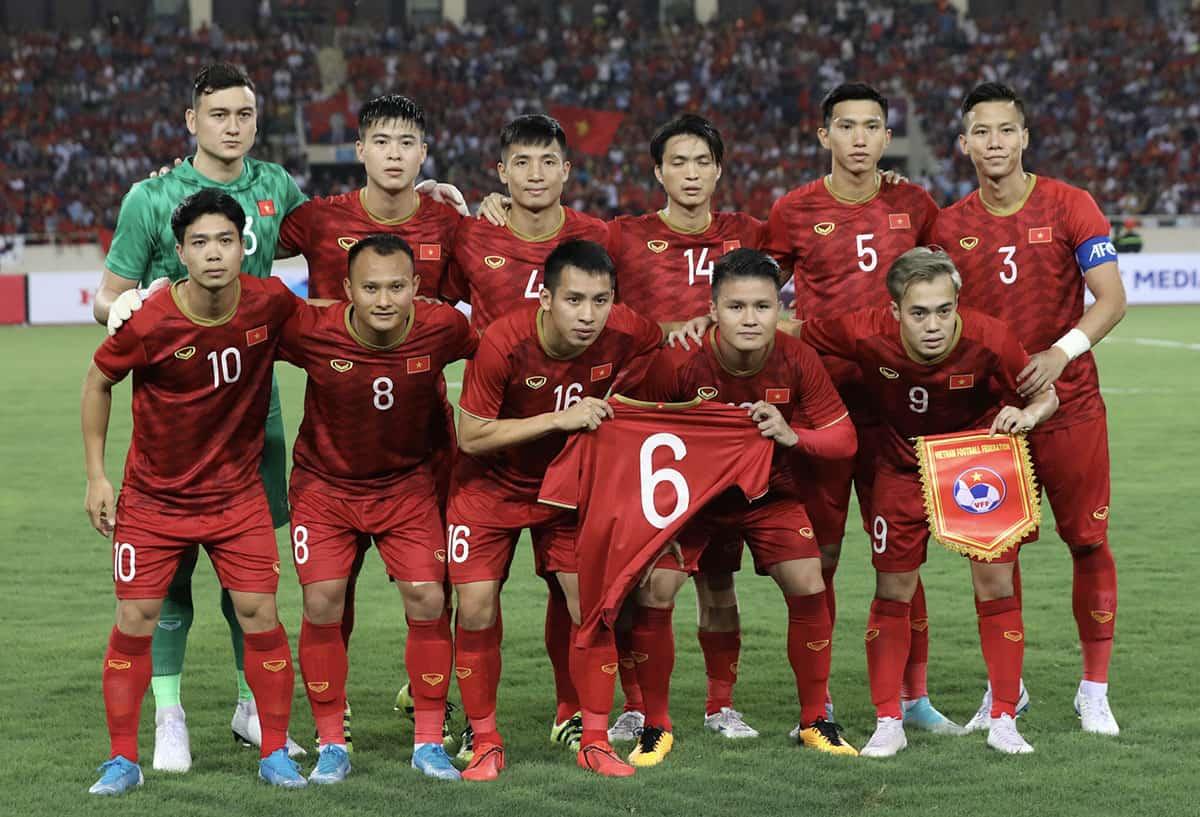 Cá độ bóng đá online có nên hợp pháp hay không tại Việt Nam?